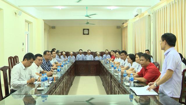 Tập đoàn Điện lực VN và Quỹ Tấm lòng Việt hỗ trợ mổ thay thể thủy tinh cho người dân nghèo ở tỉnh Nam Định - Ảnh 1.
