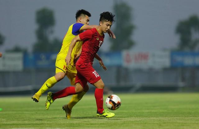 Martin Lò kiến tạo, Việt Cường ghi bàn giúp U22 Việt Nam thắng tối thiểu U18 Việt Nam - Ảnh 4.