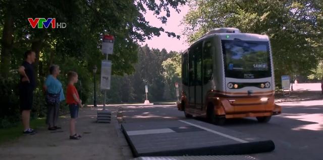 Thử nghiệm xe chở khách không người lái tại Brussels - Ảnh 1.