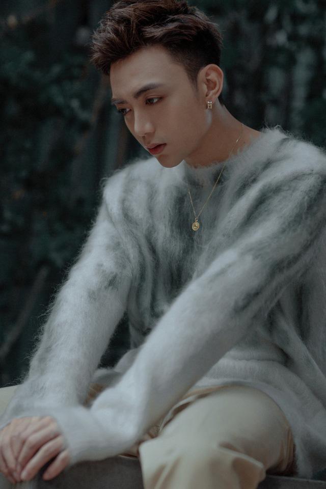 """Soobin Hoàng Sơn """"úp mở"""" MV ca khúc mới - Ảnh 1."""