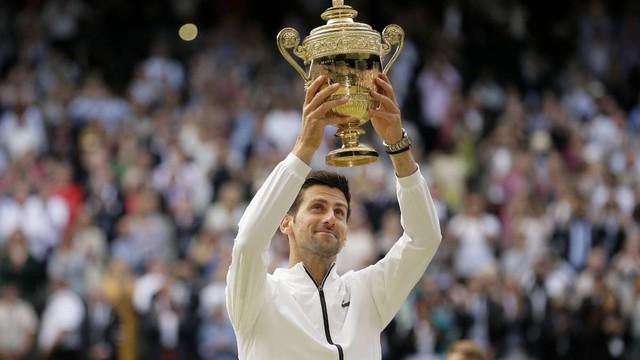 Vô địch Wimbledon, Djokovic thổi lửa vào cuộc đua Grand Slam - Ảnh 1.