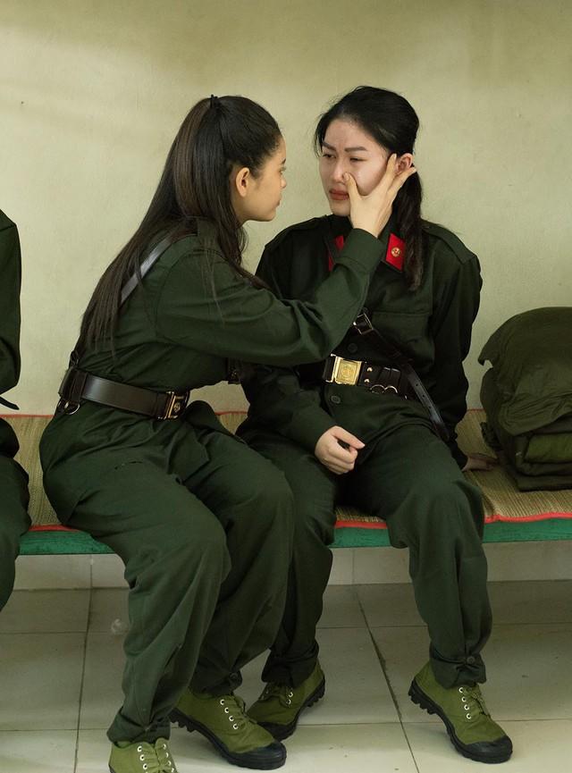 """Ngọc Thanh Tâm sụt cân, thoải mái ngủ tạm ở khu chăn nuôi trong """"Mỹ nhân hành động"""" - Ảnh 2."""