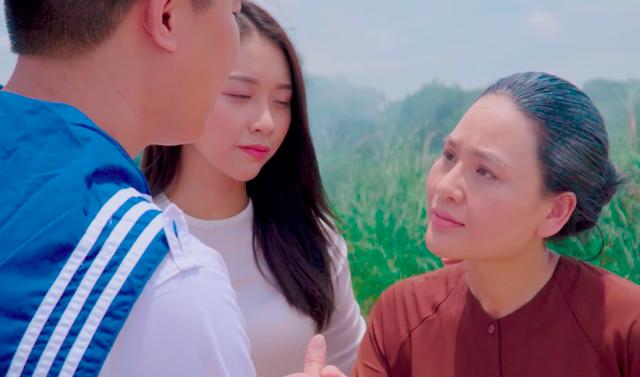 """Sao mai Nhật Huyền vào vai… mẹ Xuân Hảo trong MV """"Nơi ấy là Trường Sa"""" - Ảnh 7."""