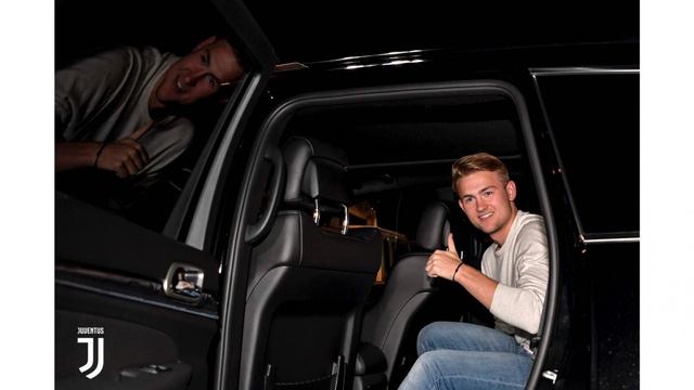 Matthijs de Ligt tới Italia kiểm tra y tế, chuẩn bị gia nhập Juventus - Ảnh 4.