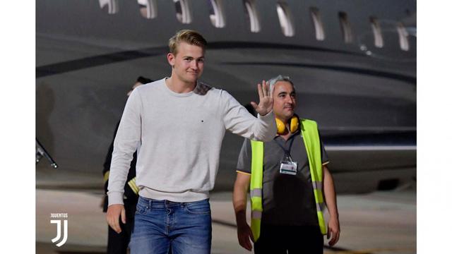 Matthijs de Ligt tới Italia kiểm tra y tế, chuẩn bị gia nhập Juventus - Ảnh 2.
