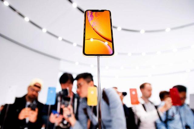 Lòng trung thành người dùng với iPhone thấp chưa từng thấy - Ảnh 2.