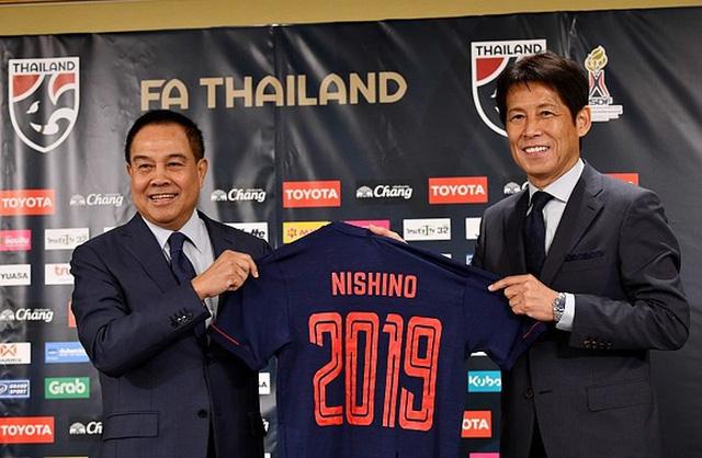 LĐBĐ Thái Lan mất bao nhiêu tiền khi sa thải HLV Nishino - Ảnh 1.