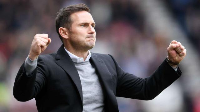 Abraham phá dớp ở Chelsea, HLV Lampard mừng ra mặt - Ảnh 1.
