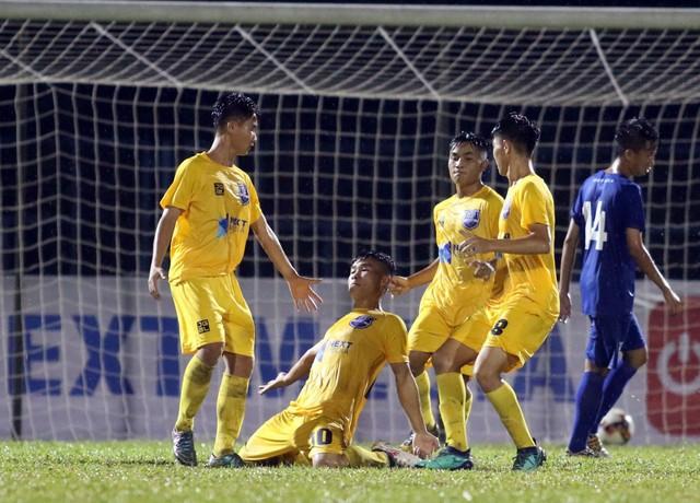 VCK U17 Quốc gia 2019: Thanh Hóa và B.Bình Dương bất phân thắng bại - Ảnh 1.