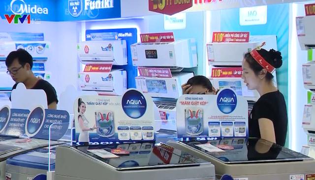 Người Việt vay trả góp chủ yếu để mua đồ điện tử, gia dụng - Ảnh 1.