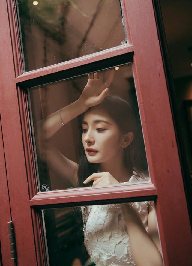 Sau ly hôn, Dương Mịch ngày càng quyến rũ - Ảnh 1.