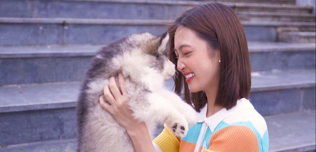 Sau Giọng hát Việt 2019, Juky San ra mắt MV Có một người ở đâu đó trong thành phố - ảnh 1
