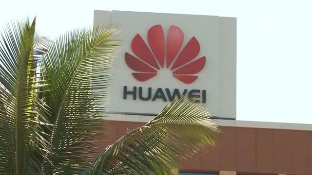 Huawei bị cáo buộc bí mật thu thập dữ liệu người dùng tại Cộng hòa Séc - Ảnh 1.