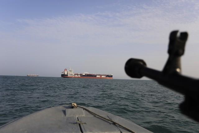 Mỹ mời các nước tham gia liên minh tuần tra eo biển Hormuz - Ảnh 1.