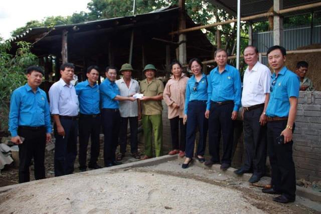 Thăm hỏi 30 gia đình cựu chiến binh tại tỉnh Điện Biên nhân dịp 27/7 - Ảnh 3.