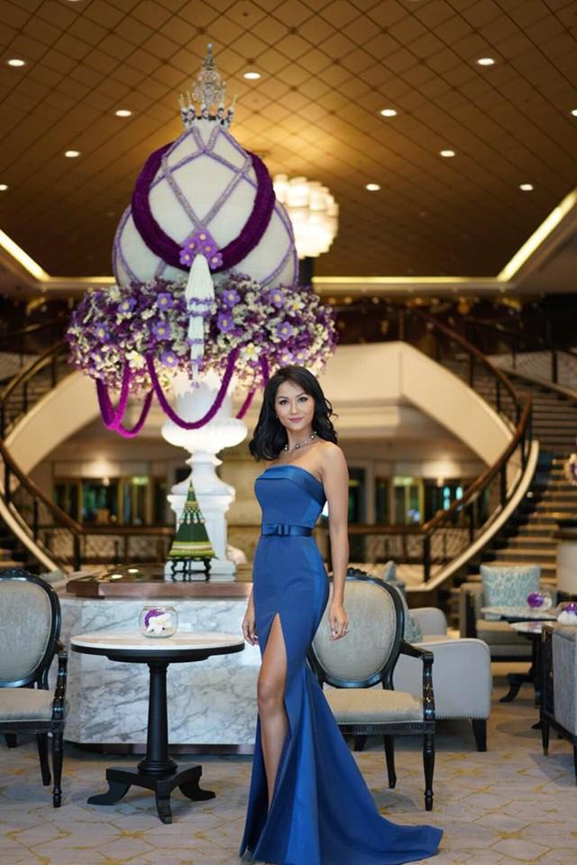 HHen Niê làm phù dâu, tặng quà cưới đặc biệt cho Hoa hậu Hoàn vũ Thái Lan - Ảnh 6.
