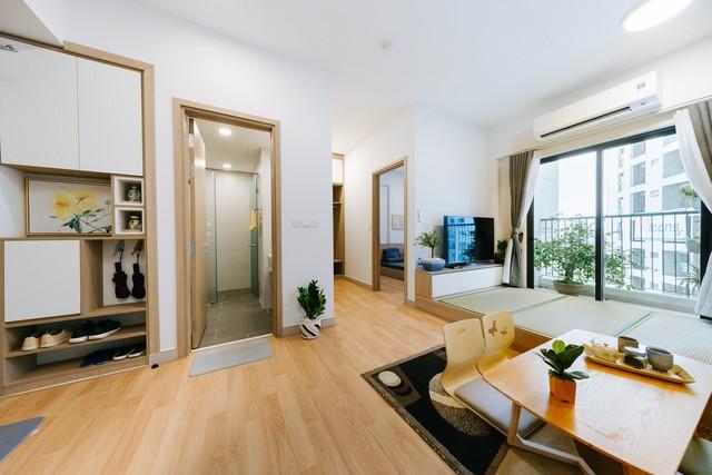 Không gian sống xanh và tối giản đáng mơ ước của một gia đình trẻ ở Hà Nội - Ảnh 1.