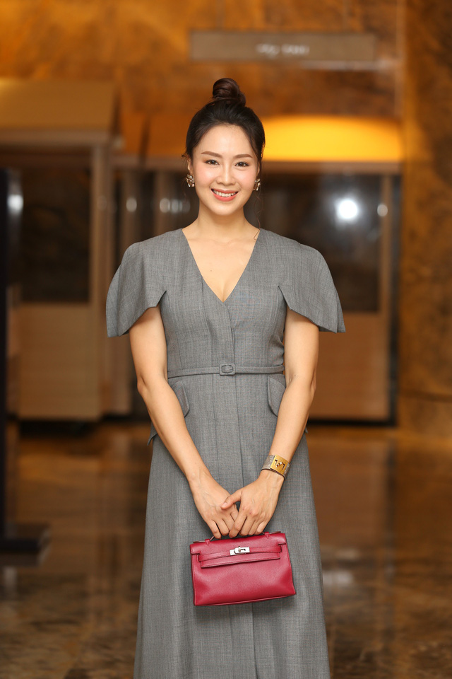 Hồng Diễm đẹp yêu kiều sánh vai cùng con gái Lương Thanh quyến rũ - Ảnh 2.