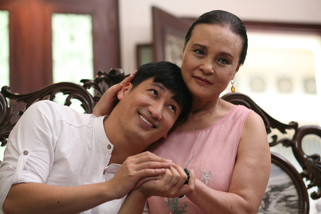Phim mới Hoa hồng trên ngực trái: Hồng Diễm hóa người vợ bị phụ bạc, Lương Thanh thành kẻ thứ 3 trơ tráo - Ảnh 4.