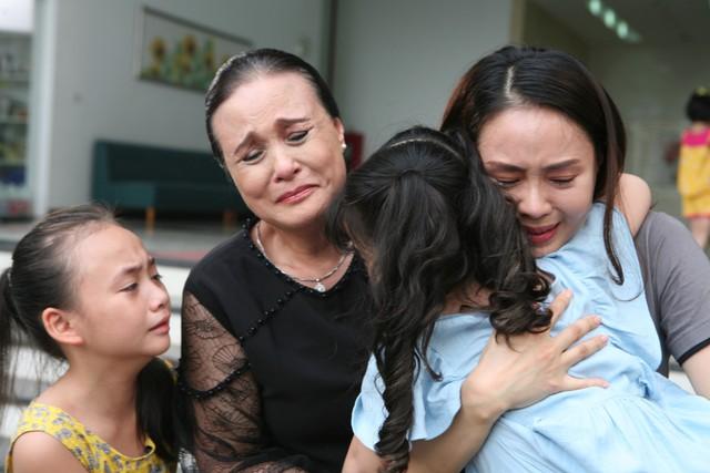 Phim mới Hoa hồng trên ngực trái: Hồng Diễm hóa người vợ bị phụ bạc, Lương Thanh thành kẻ thứ 3 trơ tráo - Ảnh 2.