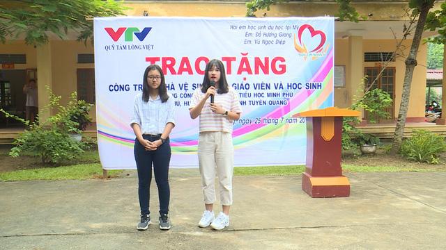 Quỹ Tấm lòng Việt và du học sinh Mỹ khoác chiếc áo mới cho điểm trường vùng cao - Ảnh 7.