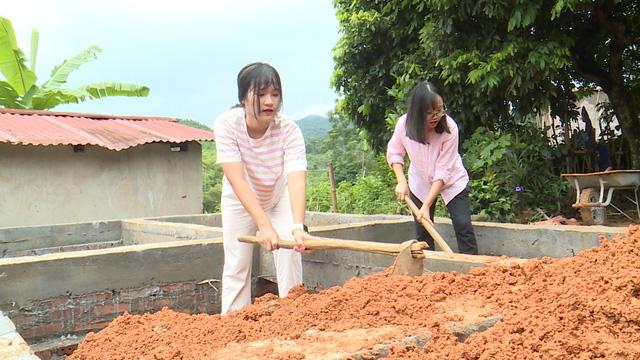 Quỹ Tấm lòng Việt và du học sinh Mỹ khoác chiếc áo mới cho điểm trường vùng cao - Ảnh 23.