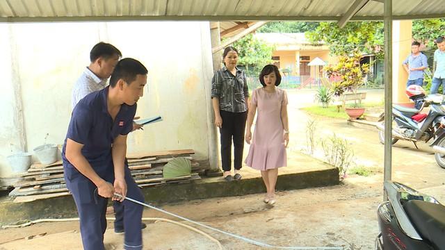 Quỹ Tấm lòng Việt và du học sinh Mỹ khoác chiếc áo mới cho điểm trường vùng cao - Ảnh 28.