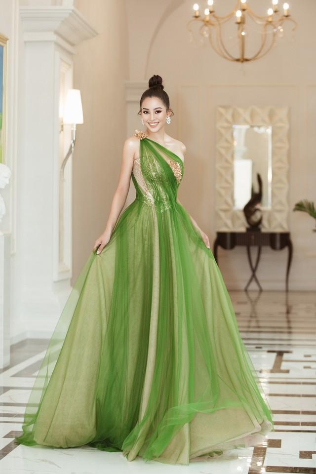 Hoa hậu Tiểu Vy hào hứng trở thành Đại sứ của Quảng Bình - Ảnh 9.