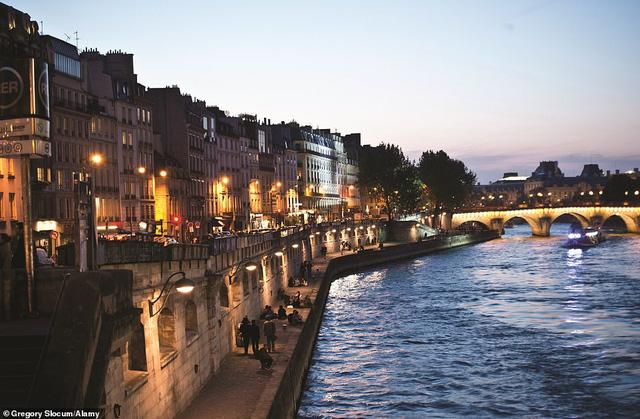 Lý giải vì sao Paris được mệnh danh là thành phố lãng mạn nhất thế giới - Ảnh 3.