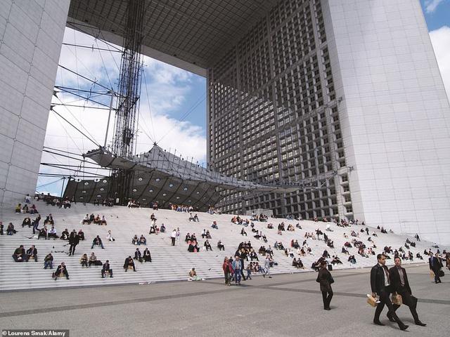 Lý giải vì sao Paris được mệnh danh là thành phố lãng mạn nhất thế giới - Ảnh 4.