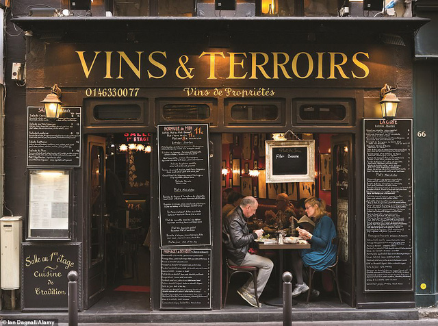 Lý giải vì sao Paris được mệnh danh là thành phố lãng mạn nhất thế giới - Ảnh 11.