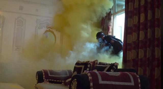 Đang diễn cảnh gay cấn, đoàn phim Mê cung hoảng loạn vì sự cố cháy thật - Ảnh 3.