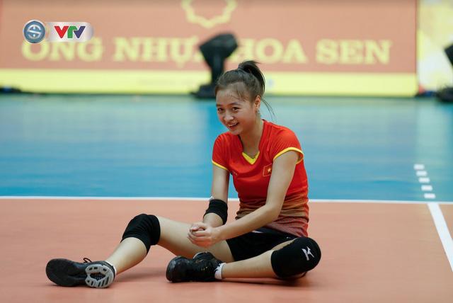 VTV Cup 2019: Buổi tập tràn đầy tiếng cười của ĐT bóng chuyền nữ Việt Nam - Ảnh 3.