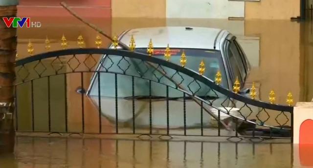 Lũ lụt nghiêm trọng gây nhiều thiệt hại tại Ấn Độ - Ảnh 1.