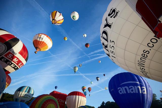 Lễ hội khinh khí cầu lớn nhất châu Âu - Ảnh 1.