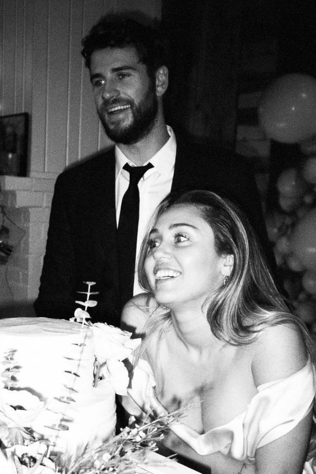 Nhìn lại cuộc tình 10 năm đầy tiếc nuối của Miley Cyrus và Liam Hemsworth - Ảnh 5.