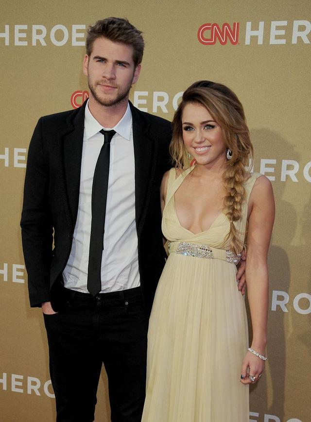 Nhìn lại cuộc tình 10 năm đầy tiếc nuối của Miley Cyrus và Liam Hemsworth - Ảnh 2.