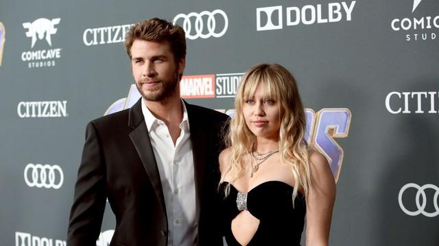 Bạn bè Miley Cyrus – Liam Hemsworth không ngạc nhiên khi thấy cặp đôi chia tay - Ảnh 1.