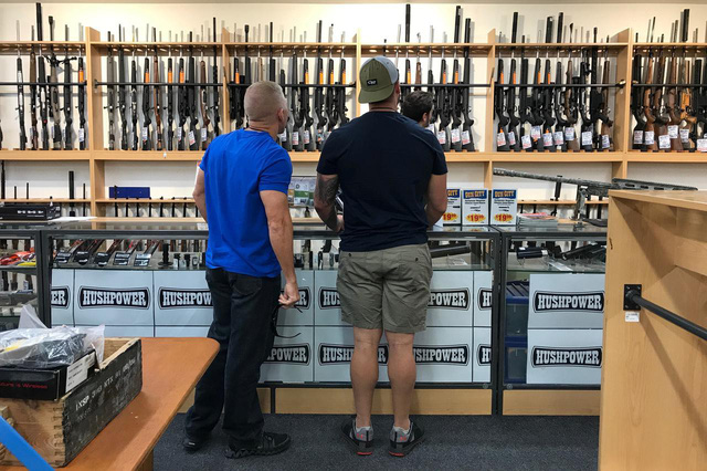 Người dân New Zealand bán lại hơn 10.000 khẩu súng cho Chính phủ - Ảnh 1.