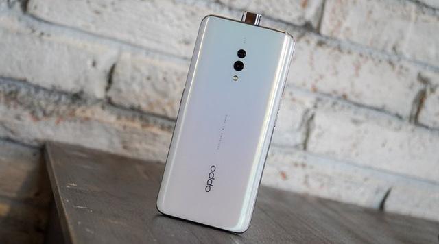Các mẫu smartphone không thể bỏ qua cho mùa tựu trường - Ảnh 4.