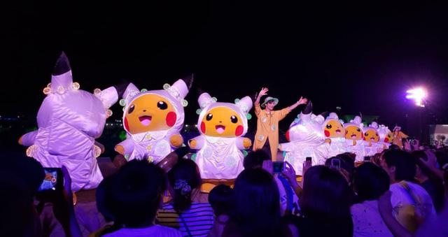 Nhật Bản: Không khí lễ hội Pikachu tràn ngập đường phố - Ảnh 2.