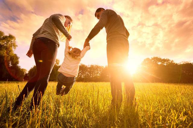 Thế hệ số trực tiếp 18h30: Trách nhiệm với con trẻ - Dễ hay khó? - Ảnh 1.
