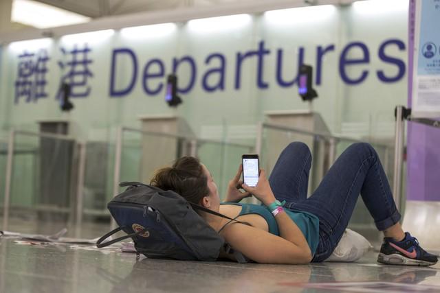 Hong Kong (Trung Quốc) hủy mọi chuyến bay vì biểu tình - Ảnh 8.