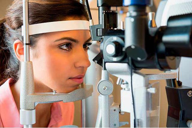 7 mẹo chăm sóc đôi mắt dành cho người đeo kính - Ảnh 4.