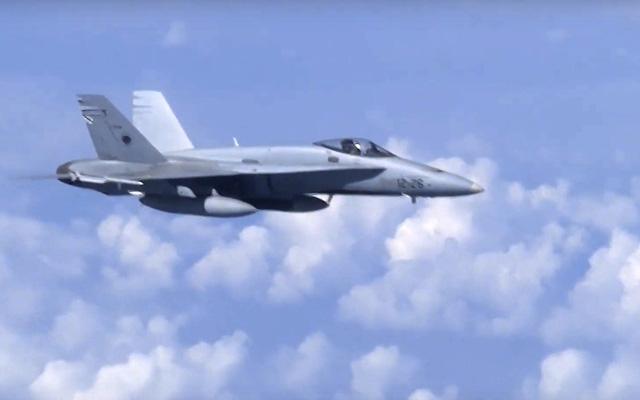 Tiêm kích NATO tiếp cận máy bay chở Bộ trưởng Bộ Quốc phòng Nga - Ảnh 2.