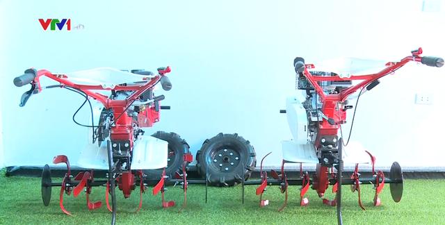 Nhà sáng chế nông dân tạo ra chiếc máy nông nghiệp 15 trong 1 - Ảnh 1.