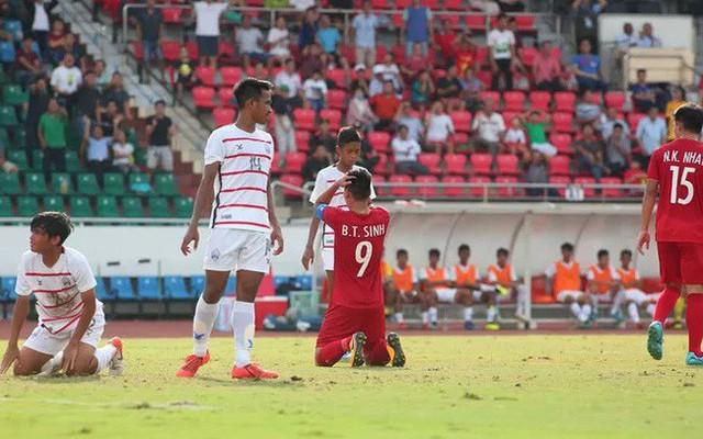 U18 Việt Nam thua U18 Campuchia, HLV Hoàng Anh Tuấn từ chức - Ảnh 1.