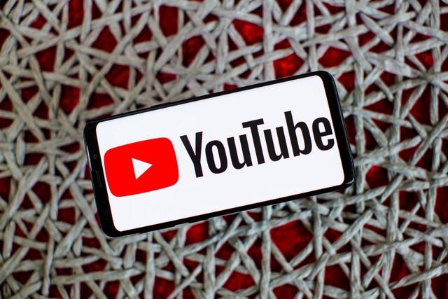 Sẽ mất gần 100 năm để xem hết nội dung được đăng tải lên YouTube trong 1 ngày - ảnh 2