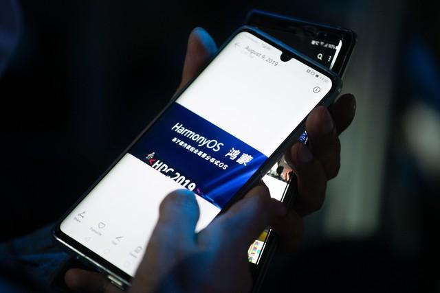 CEO Huawei: Chúng tôi có thể vượt mặt Google! - Ảnh 1.