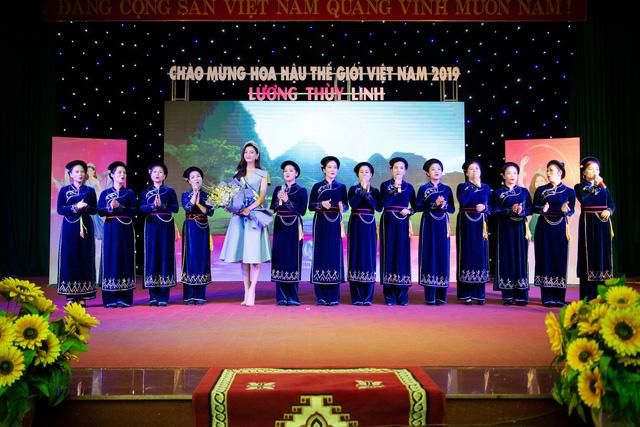 Hoa hậu Lương Thùy Linh hạnh phúc bên gia đình khi trở về Cao Bằng - Ảnh 6.